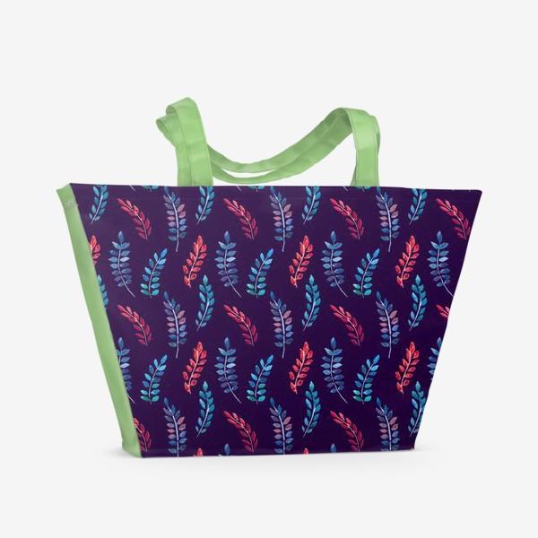Пляжная сумка «Разноцветные акварельные веточки на синем фоне»