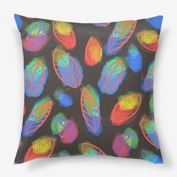 Подушка «Яркие цветастые листья на черном фоне. Летний, осенний узор »