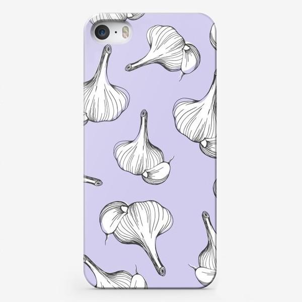 Чехол iPhone «Чеснок на голубом фоне. Чесночный узор. Паттерн с овощами.»