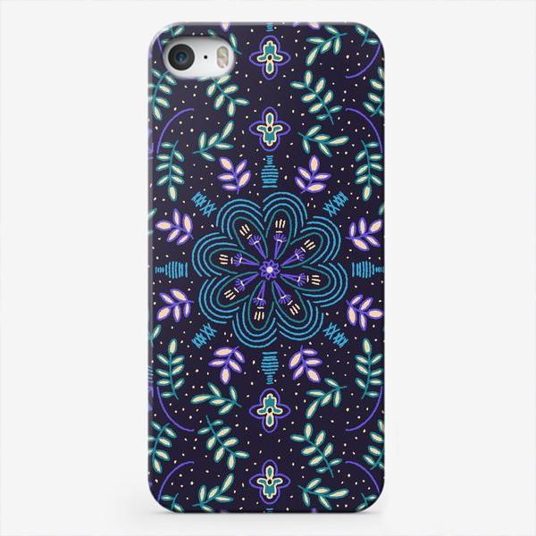 Чехол iPhone «Голубые цветы»