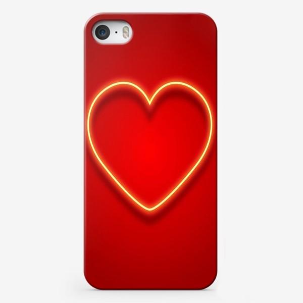 Чехол iPhone «Неоновое сердце на красном фоне»