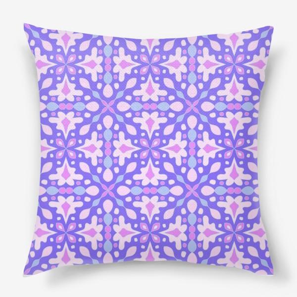 Подушка «Абстрактный орнамент»