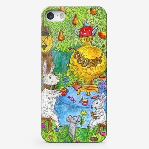 Чехол iPhone «Чаепитие семьи Зайцев»