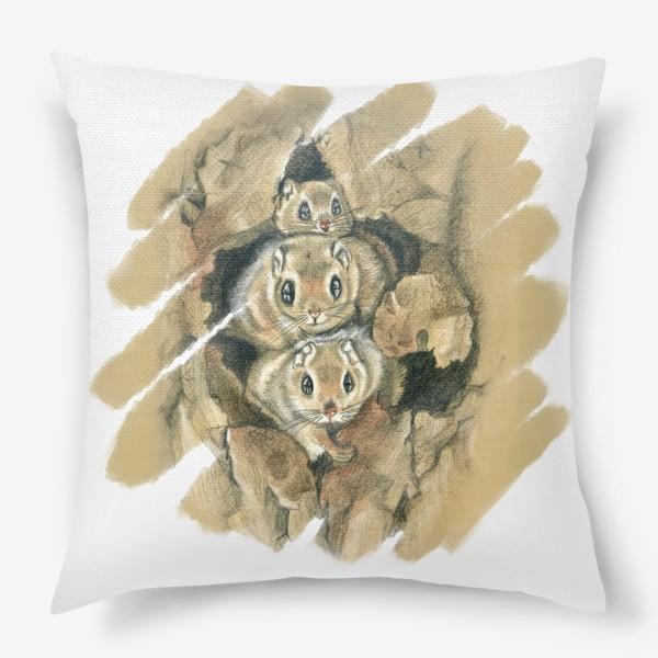 Подушка «Из дупла »