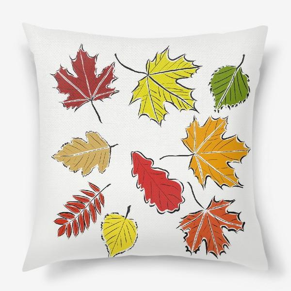 Подушка «Осенние падающие листья»
