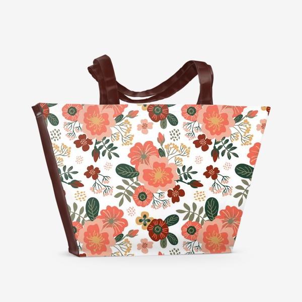 Пляжная сумка «Красивые стилизованные розовые цветы на белом фоне»