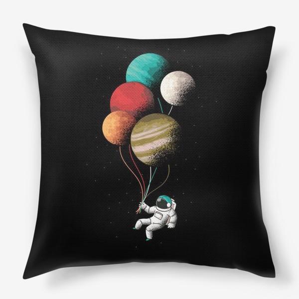 Подушка «Астронавт с шариками»