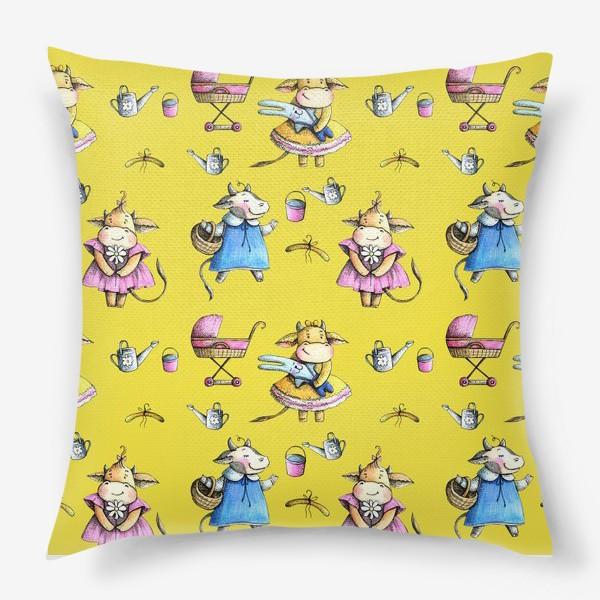 Подушка «Коровки на желтом»