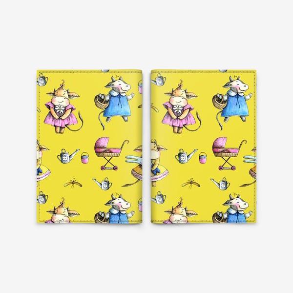 Обложка для паспорта «Коровки на желтом»