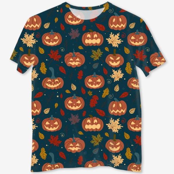 Футболка с полной запечаткой «Тыквы и осенние листья на синем фоне Осень. Хэллоуин узор. Тыква-фонарь»