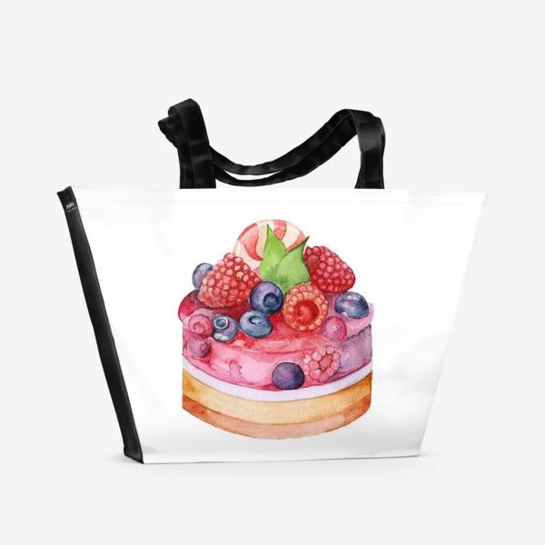 Пляжная сумка «Sweet dessert, cake with jelly and berries.»
