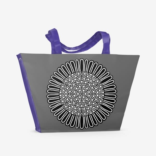 Пляжная сумка «Черно-белый подсолнух на сером, графика»