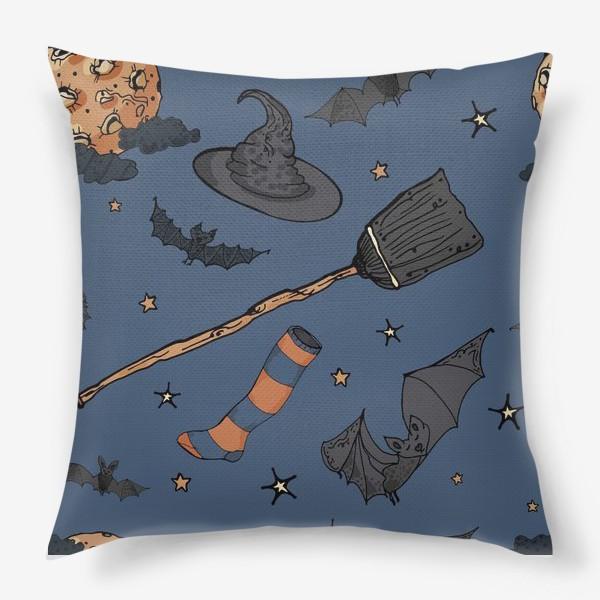 Подушка «Паттерн с символами Хэллоуина на ночном небе»