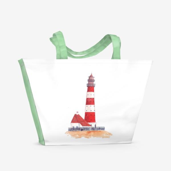 Пляжная сумка «Красно-белый полосатый маяк с пристройкой домом»