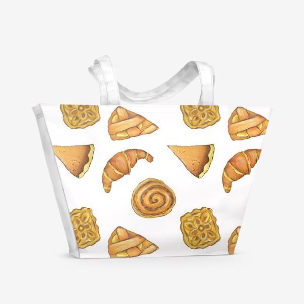 Пляжная сумка « Выпечка на белом Булочки аппетитные Пироги и круассаны»