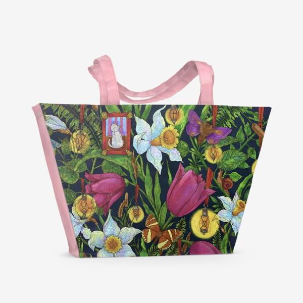 Пляжная сумка «Старая сказка в саду с тюльпанами и нарциссами»