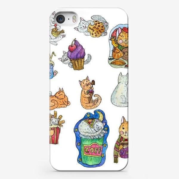 Чехол iPhone «Милые коты и сладости»