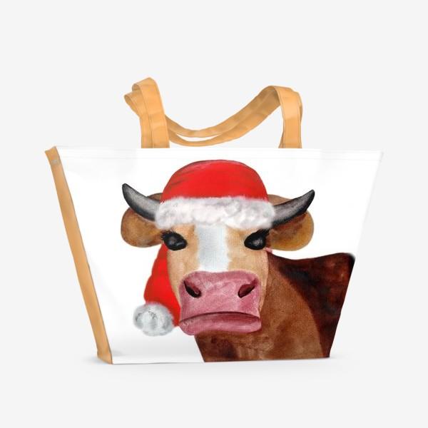 Пляжная сумка «Новогодняя бурёнка в красном колпаке»