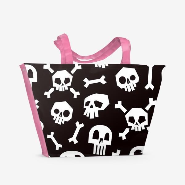 Пляжная сумка «Черепа и кости. Абстрактный геометрический паттерн.»