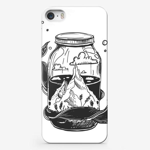 Чехол iPhone «горы в стеклянной банке. облака. графика»
