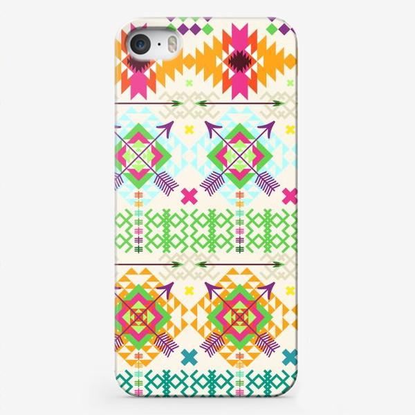 Чехол iPhone «Племенной паттерн со стрелами и геометрическими узорами»