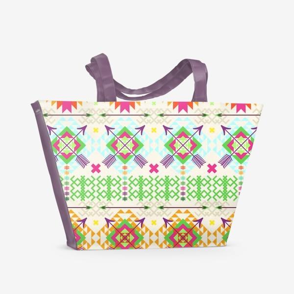 Пляжная сумка «Племенной паттерн со стрелами и геометрическими узорами»