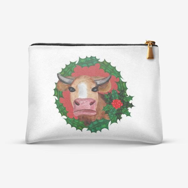 Косметичка «Новогодняя корова в венке из остролиста»