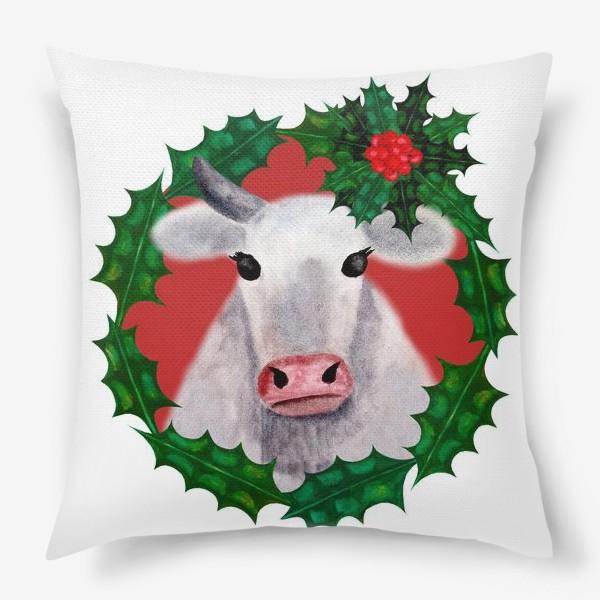 Подушка «Новогодняя бурёнка Аленка в венке из остролиста»