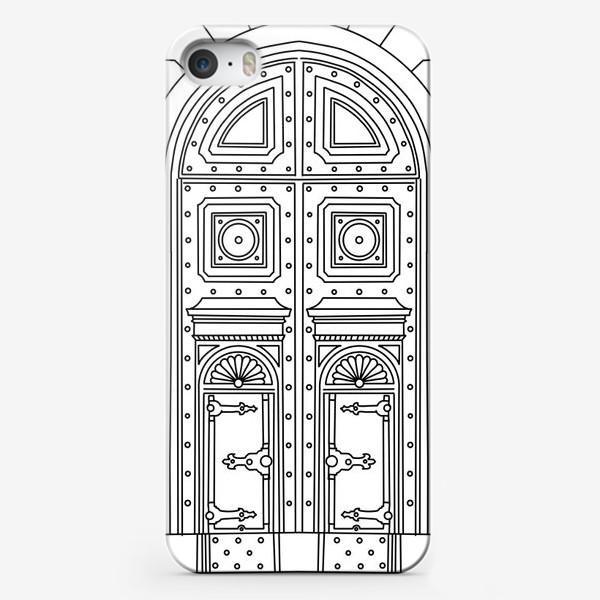 Чехол iPhone «Черно-белая дверь»
