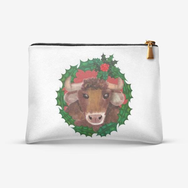 Косметичка «Новогодний бык в венке из остролиста»