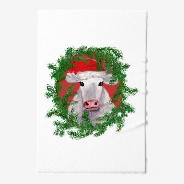 Полотенце «Новогодняя белая бурёнка в рамке из хвойных ветвей»