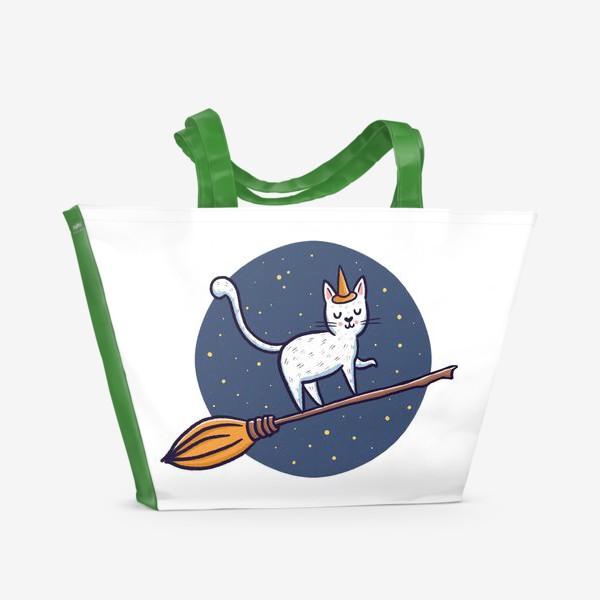 Пляжная сумка «Белый кот на метле. Хэллоуин»