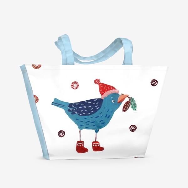 Пляжная сумка «Птичка в шапке с еловой веткой и шишкой»
