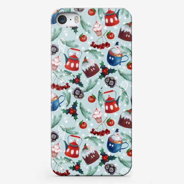 Чехол iPhone «Новогодние сладости, чайник, пудинг, снеговик, ягоды, остролист, шишки, еловые ветки, мандарины»
