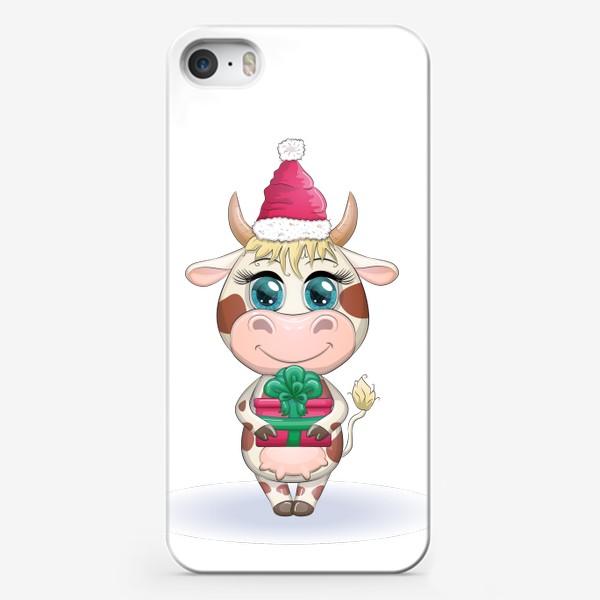 Чехол iPhone «Бык, символ 2021 года, корова с подарком и в шапке Санта-Клауса»