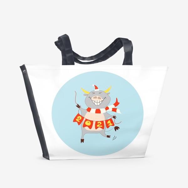 Пляжная сумка «Бык с цифрами 2021 Рождественский бык с гирляндой Смешной новогодний персонаж»