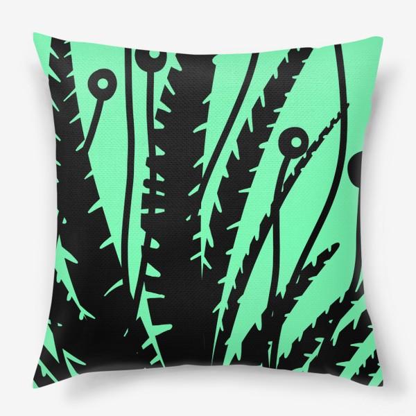 Подушка «Тропические растения, черные кусты на зеленом»
