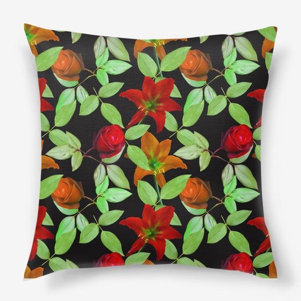 Подушка «Бесшовный фон с розами»