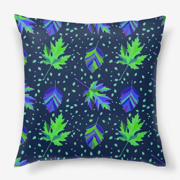 Подушка «Бесшовный фон с осенними лесными листьями.»