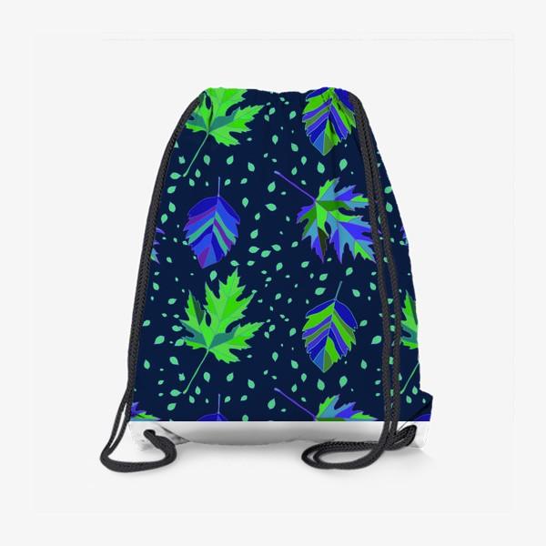 Рюкзак «Бесшовный фон с осенними лесными листьями.»