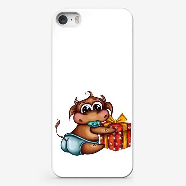Чехол iPhone «Малыш Бычок с подарком »