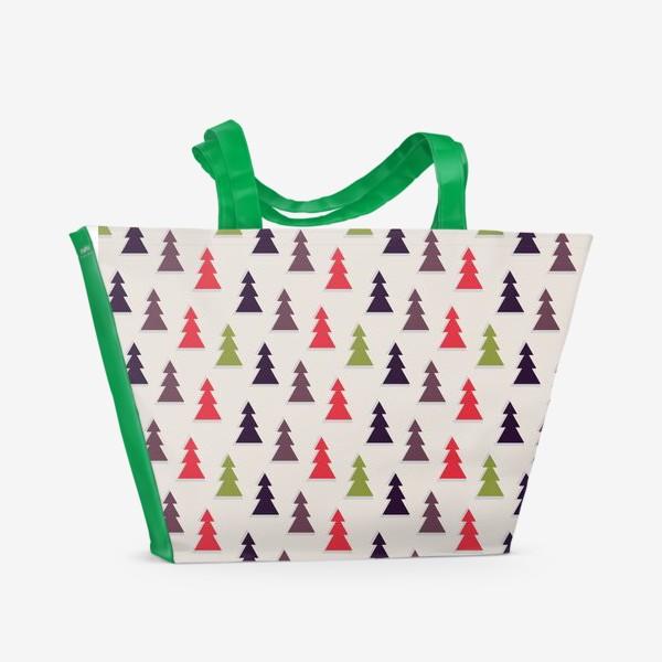 Пляжная сумка «Геометрические ели на светлом фоне»