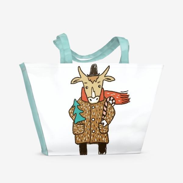 Пляжная сумка «Бык в пальто и шляпе с ёлкой цветной»