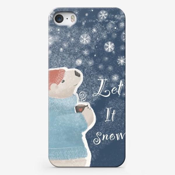 Чехол iPhone «Let it snow. Белый медведь в свитере с кружкой какао.Новогодний, зимний, рождественский принт»