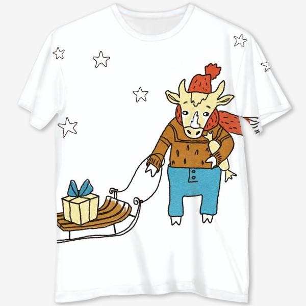 Футболка с полной запечаткой «Бык с санками и подарками, в шапке, свитере и штанах. Новогодний символ. Цветной.»