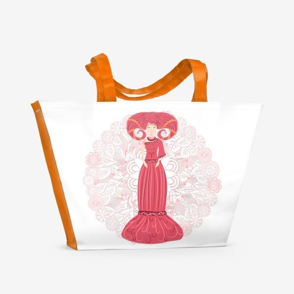 Пляжная сумка «Знак зодиака Овен и цветочная мандала»