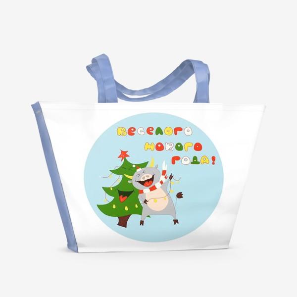 Пляжная сумка «Бык с елкой Рождественский бык с гирляндой Смешной новогодний персонаж»