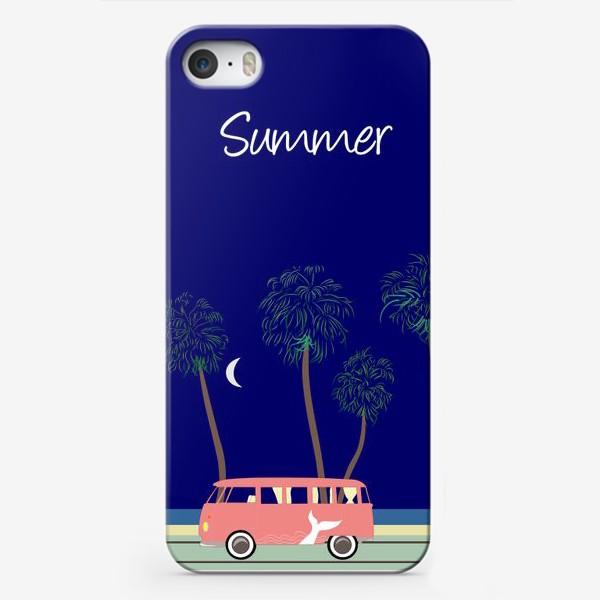 Чехол iPhone «Ретро автобус на побережье, пальмы, луна, лето»