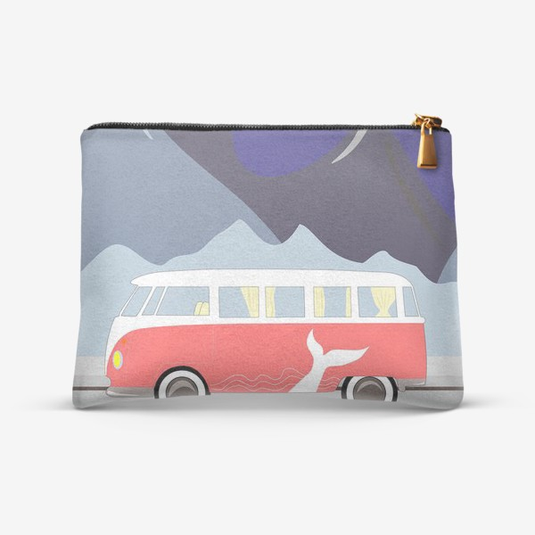 Косметичка «Ретро автобус на дороге, горы и луна»