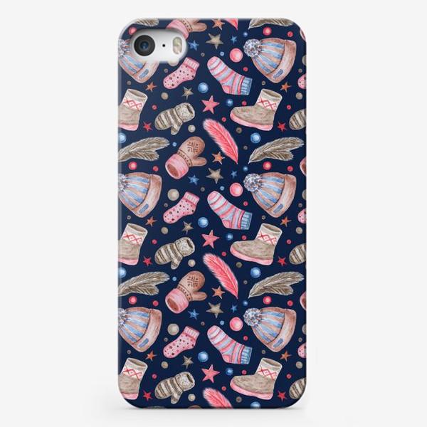 Чехол iPhone «Акварельный паттерн с элементами зимней одежды»